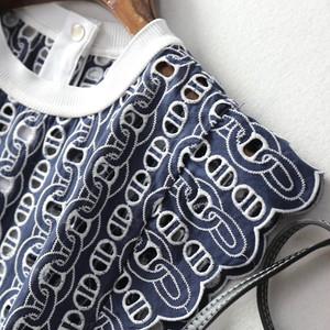 チェーン総刺繍ノースリーブトップス