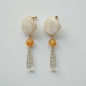 ecru style earring