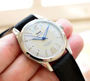 HMT PILOT ミリタリー 手巻き 腕時計 デッドストック級 ホワイト