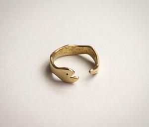 ウロボロス(ヘビ)のリング