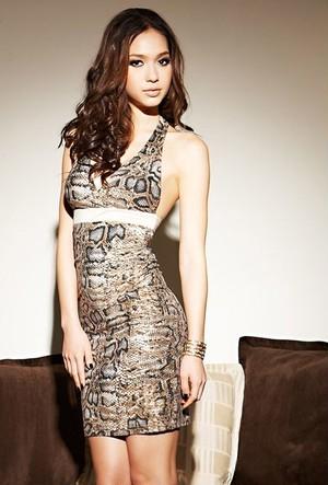 パイソン柄ドレス