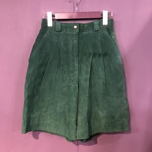 80's  green leather shortpants [B1139]