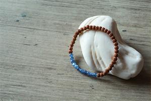 菩提樹の実 と カヤナイト の ブレスレット
