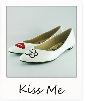 リップモチーフパンプス【Kiss me】 / ホワイト