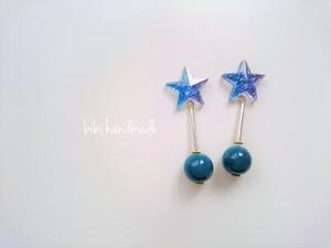 NO.238 blueに輝く星ピアス