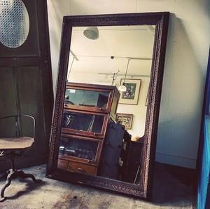 大きな洋館の鏡