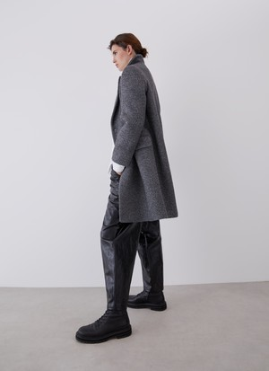 TAILORED COAT WITH BUTTONS