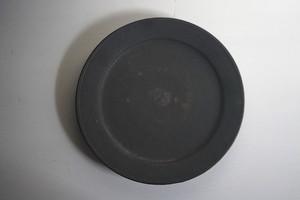 小林耶摩人 7寸リム皿 黒釉