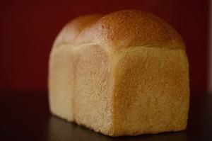 薫り漂う全粒粉ハードトースト