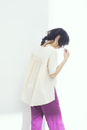 バックプリーツTシャツ <クリーム> #2