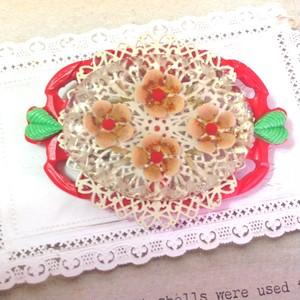 s482 お花と葉っぱのブローチ(帯飾り)