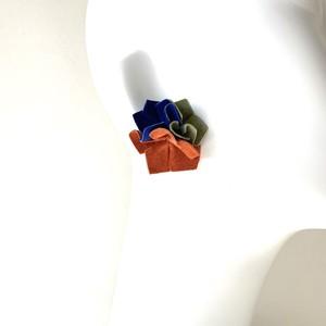 NEWカラー カットフラワーピアス・イヤリング〈インクブルー・サバンナ・オレンジレッド〉