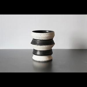 個性的でアートな器 陶芸作家【望月 薫 a.k.a ILL CERAMICS】Serrated Stripe Tumbler ストライプタンブラー M(2tone BLK×Wht )