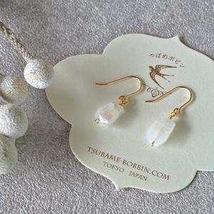 不揃いな天然石の耳飾り◎レインボームーンストーン1《ピアス/イヤリング選択可》