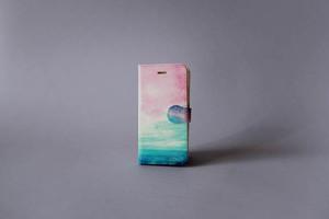 海と青い空の、手帳型スマホケース