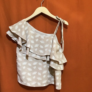 Reef Print One Shoulder Tops  Color : Beige