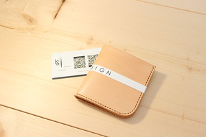 JAPAN LANSUI DESIGN 名入れ対応 ヌメ革手作り手縫い シンプル 二つ折り財布 品番NVDI7534DSF