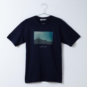 SURFIN' LIFE × Junji Kumano フォトTシャツ/(ネイビー)