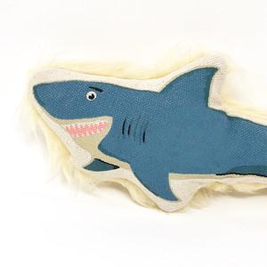 サメの犬のおもちゃ(size S) by Harry Barker