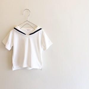 セーラーカラーのTシャツ