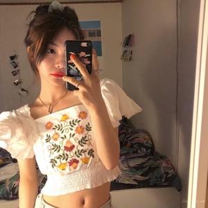 【トップス】春夏レトロ刺繍セクシーショート丈スクエアネックTシャツ