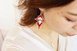 【刺繍ジュエリー】 petals red✴︎ ▽注文時に、ピアス/イヤリングお選びいただけます。