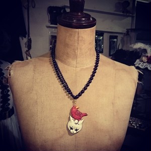 clarte / Devil cat  necklace
