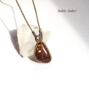 バルティックアンバー macrame necklace