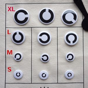 視力検査バッグ用「C」バッジ