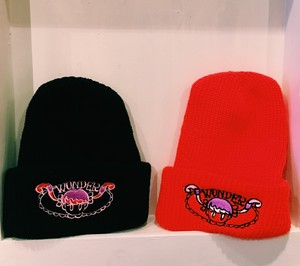 ono shinobu - knitcap(black/red)