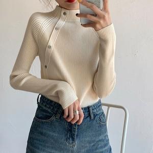 【トップス】プルオーバーボタンハーフネック合わせやすいニットセーター