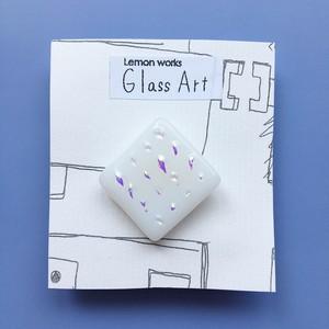 グラスアートれもんのガラスブローチ <NO.11…ダイヤ/ホワイト>