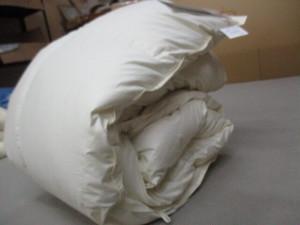 羽毛布団 シングルサイズ チェコスロバキア産 ホワイト系クリームイエロー
