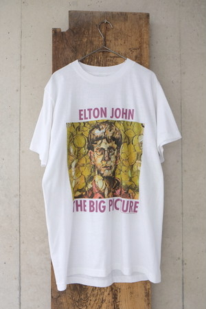 THE BIG PICTURE T-shirt.