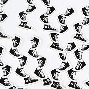 【ステッカー】バランスを保つ靴