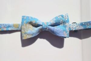 蝶ネクタイ-花柄ブルー