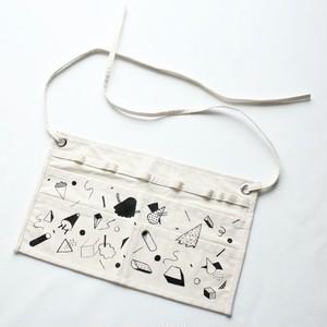tool apron [wander] / illustration by fujiwara ayumi