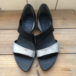 MANA sandal