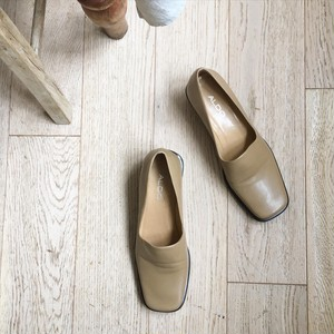 """USED """" Leather square toe pumps beige / レザースクエアパンプス"""""""