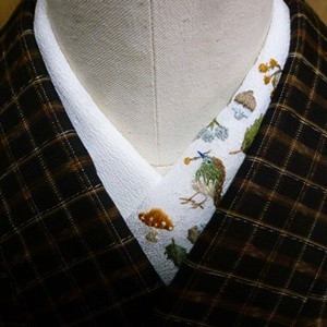 pivoneさんのフランス刺繍半襟「秋の贈り物」