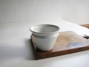 Creil et Montereau 逆円錐形 食品保存用ポットb