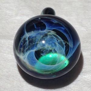 ぐるぐる宇宙のペンダントTOP 緑2