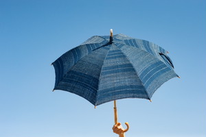 草木染めで手織り布の日傘/EK-29DBL