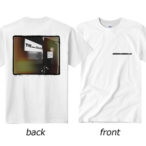 """THE blank GALLERY  """"Keep the doors OPEN."""" T-shirt"""