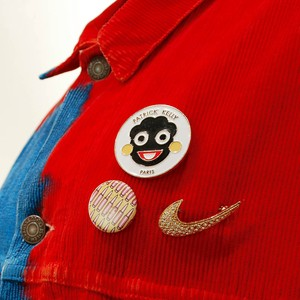 PATRICK KELLY  Face Logo Pin