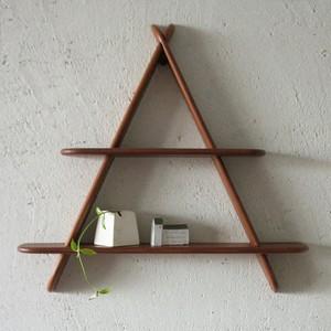 Triangle wall shelf / OH009