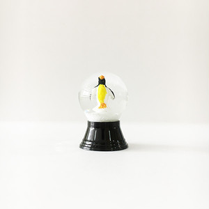 再入荷 ペンギン スノードーム PERZY社 SS