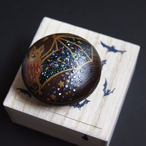 "Makie incense case ""Bat in the milkey way"" by Hakucho"