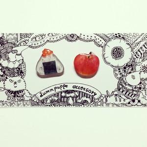 赤い食べ物ピアス
