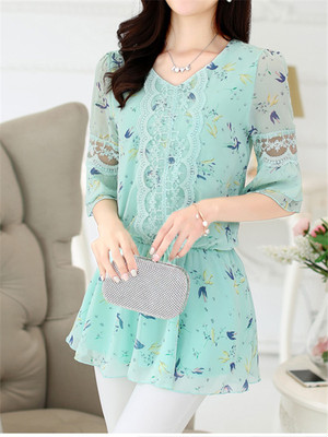 【tops】V-neck 3/4 sleeve floral print tunic